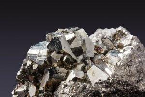 Pirite: la pietra che aiuta le difese immunitarie