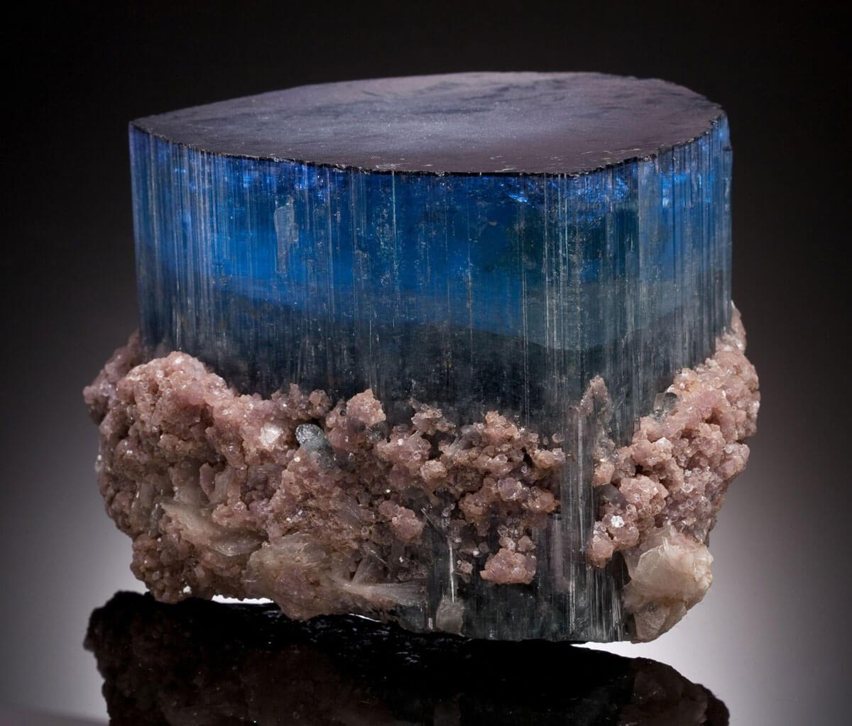 You are currently viewing Tormalina Blu: la pietra contro la tristezza