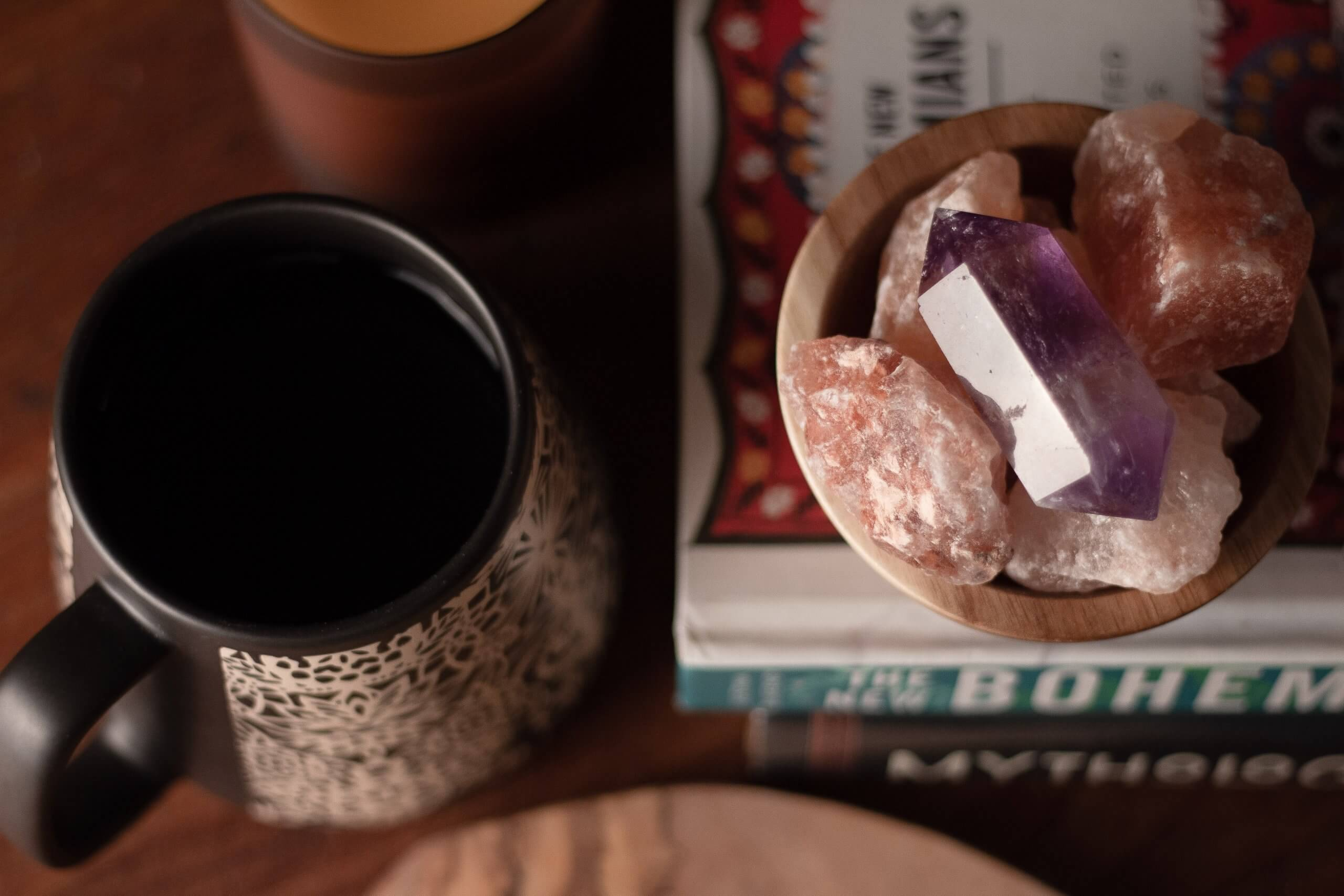 You are currently viewing Le pietre e il tè per lasciar andare i conflitti